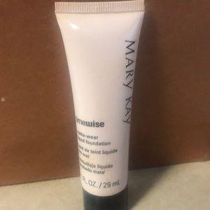 Mary Kay Timewise Liquid Foundation Ivory 3